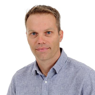 Dr Magnus Persson